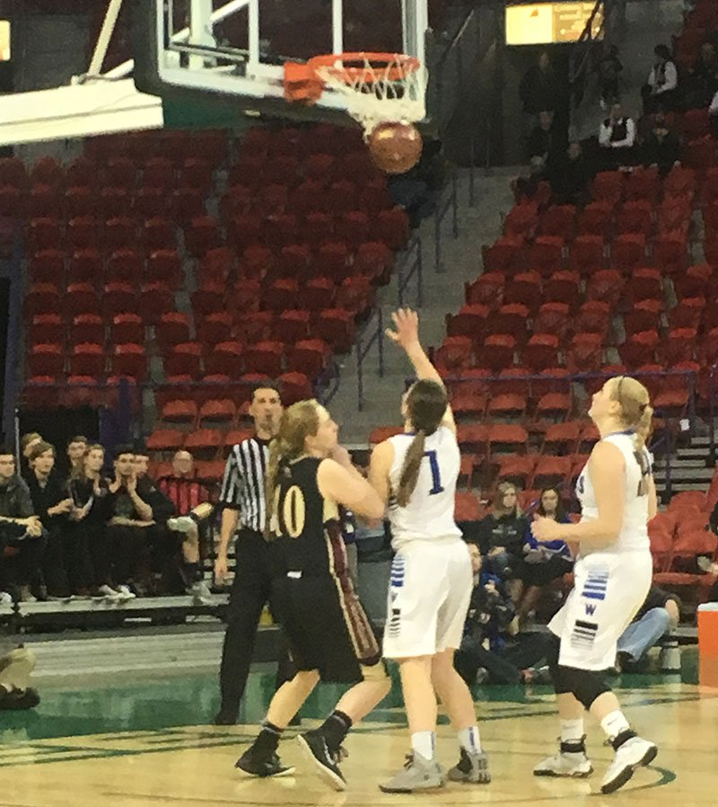 Bri Foti scores two of her 12 points Thursday afternoon in Green Bay