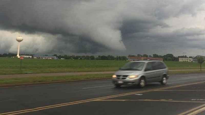 Tornado touchdown in northern Pierce County, Wis.