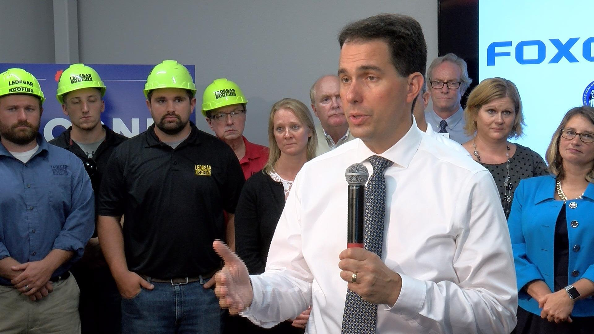 Governor Walker tours Wisconsin talking about Foxconn