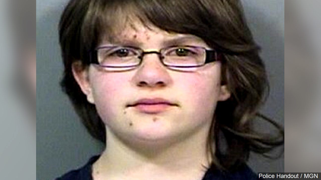 Copy-1 girl charged in 'Slender man' case pleads guilty