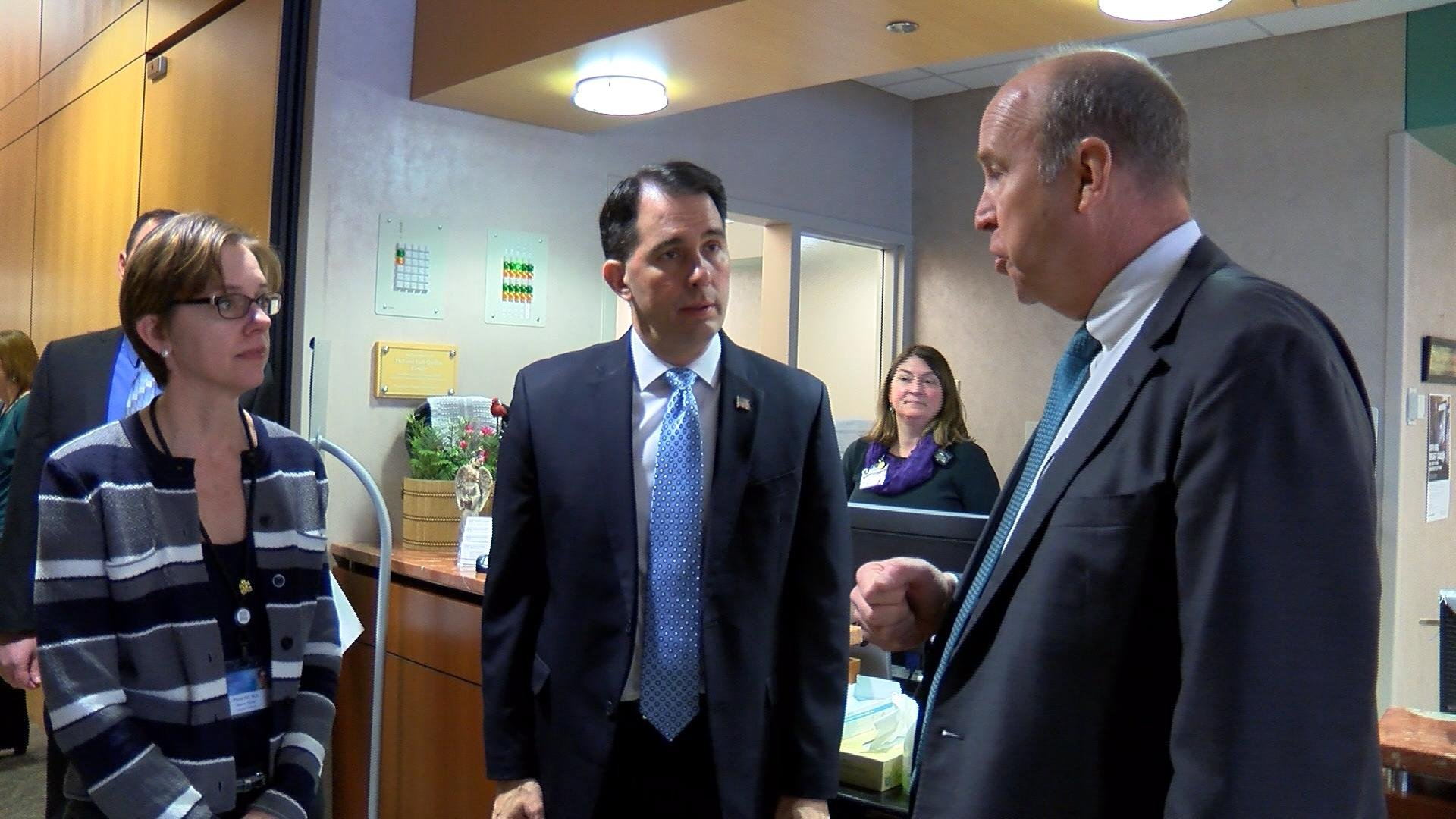 Governor Scott Walker gets a tour of the Mayo Clinic in La Crosse.