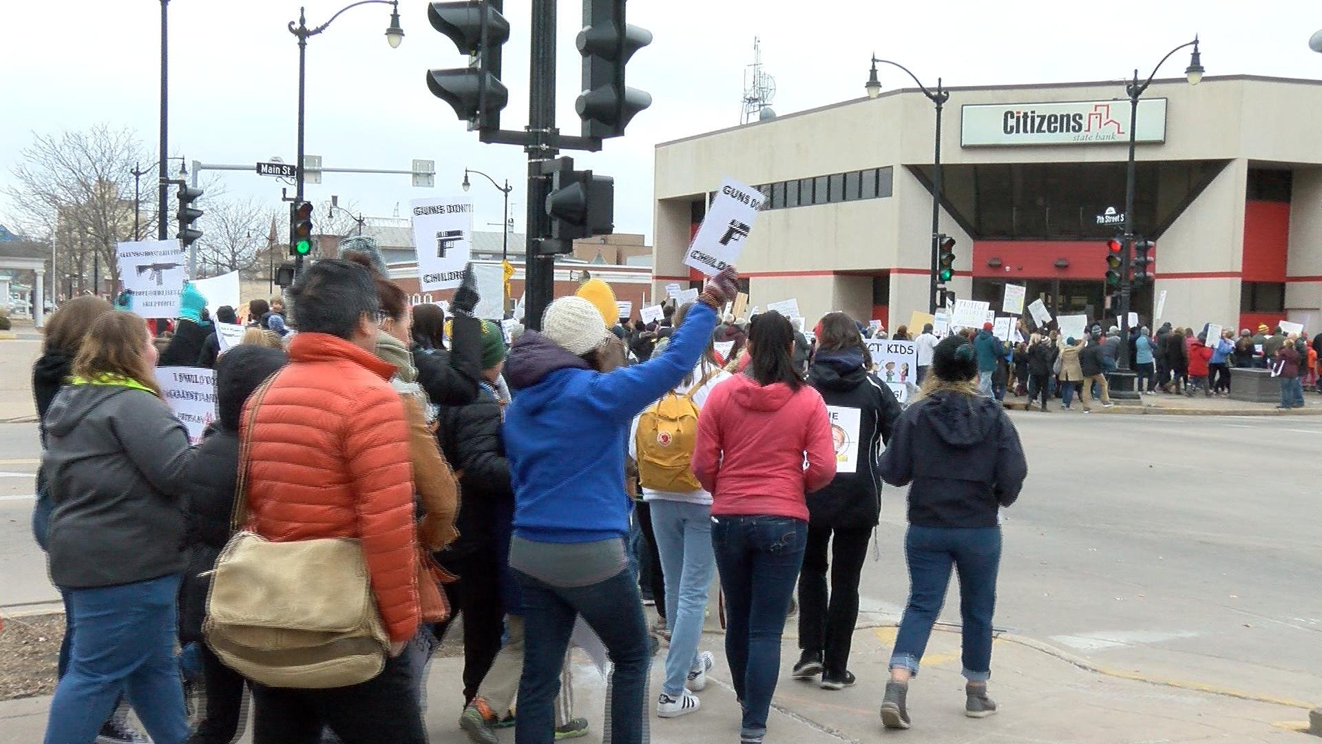 Protests gain vigour as students in large numbers pour in