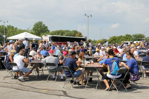 1750 fans tailgating before the Brewers/Cards game Wednesday