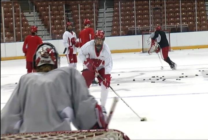Wisconsin Hockey practice Thursday