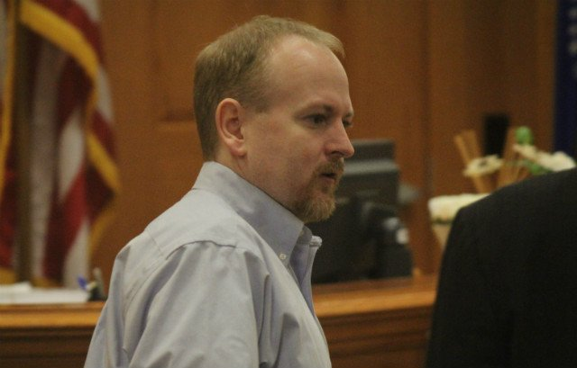 Jeffrey Lepsch enters the courtroom Monday morning.