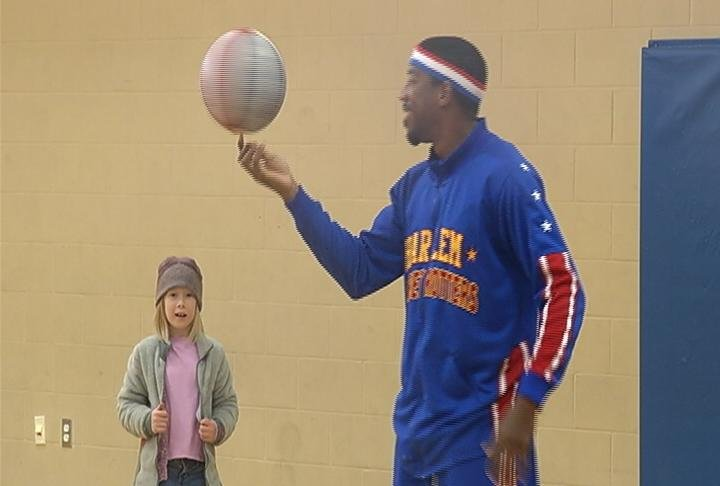Buckets Blakes visits local kids