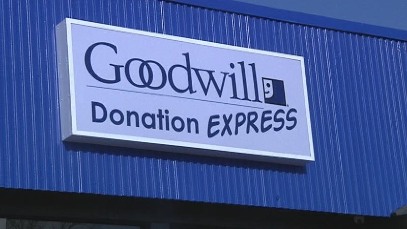 Goodwill express opens in la crosse wqow tv eau claire for What does the ceo of goodwill make