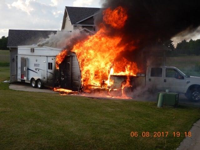 Toys For Trucks Wausau Wi : Camper truck burn in driveway of brf home kwwl