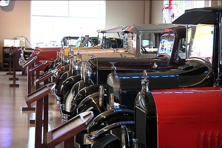 hometown tourist: dahl auto museum - wxow news 19 la crosse, wi