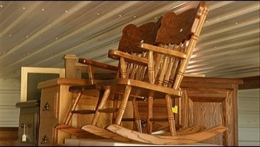 Amish Life Farms Furniture Crafts Wxow News 19 La Crosse Wi News Weather And Sports