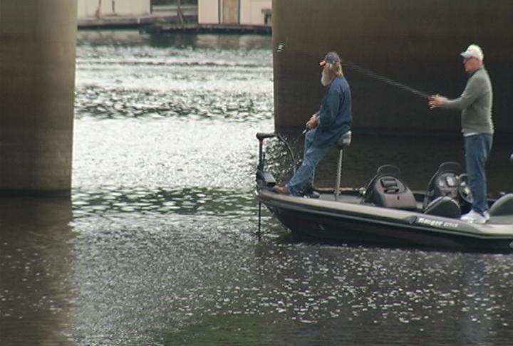 Bass fishing league tournament brings anglers to la crosse for Wisconsin fishing tournaments